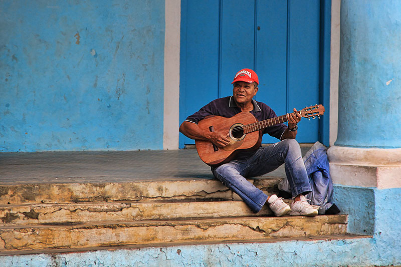 Picture of Musician in Cuba